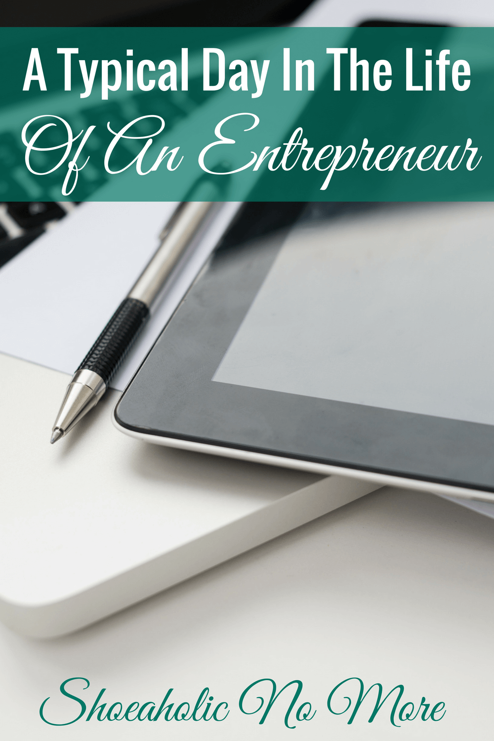 Wow this typical day for a full time employee and freelancer is inspirational! It's possible to balance a blog with your 9-to-5!